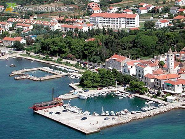 lakókocsis nyaralás Dalmáciában