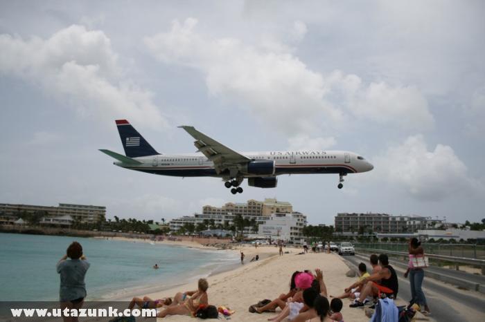 St Maarten - Leszálló repülõ a strand felett 2.