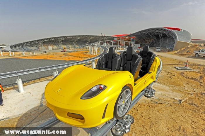 Ferrari World, Hullámvasút