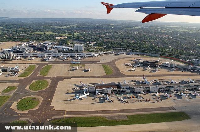 Gatwick Airport, Easy Jet leszállás