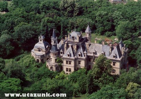 Schossberger kastély, Tura