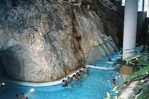 Barlangfürdõ, Miskolc, felülnézet