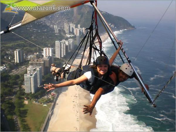 A repülés extrém nyári élmény lehet