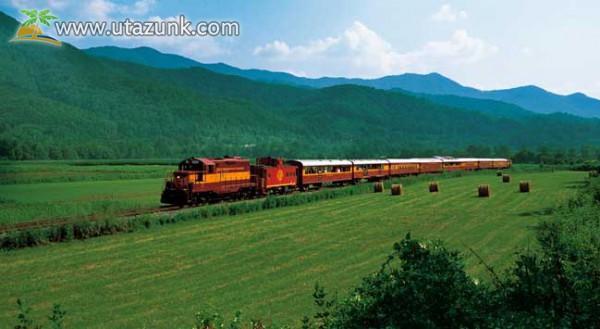 Élmény nyaralás vonattal