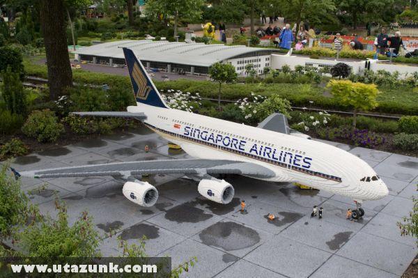 Legoland, Singapore Airlines