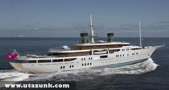 Retro 111 méteres jacht
