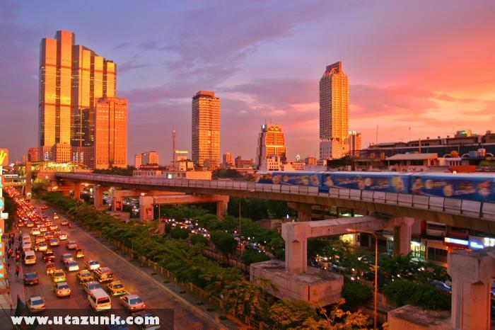 Bangkok esti homályban