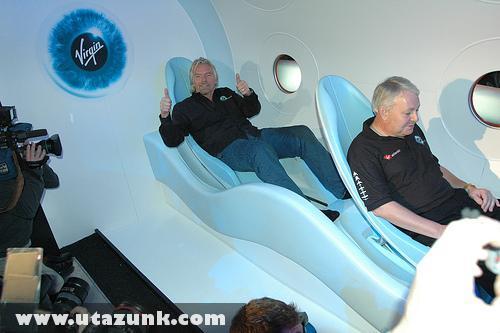 A Space Ship Two utaskabinja