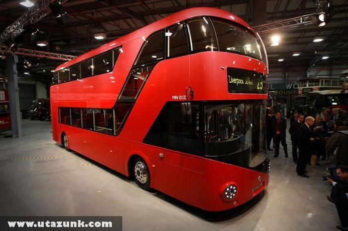 Az Aston Martintól jön az új londoni busz