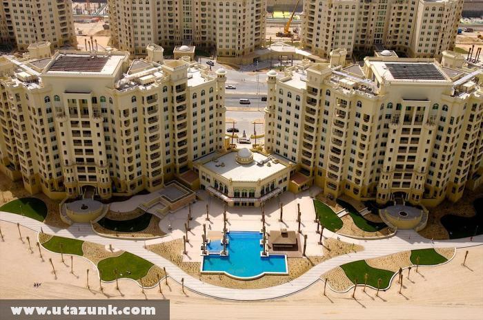 Turistákra váró üres szálloda Dubaiban