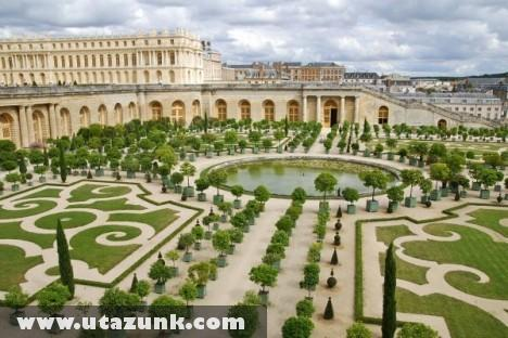 Versailles-is Kastély