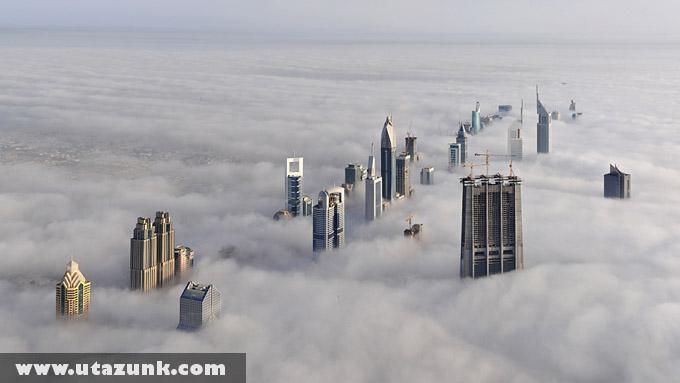 Dubai felhõk alatt