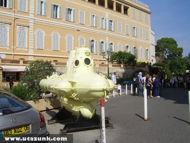 Monaco,a sárga tengeralattjáró