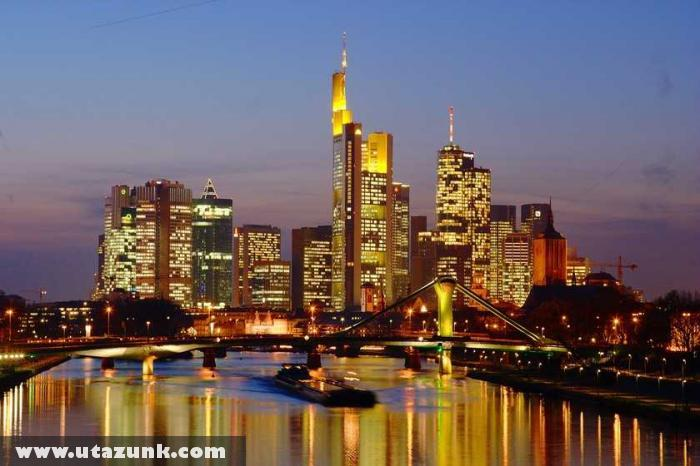 Frankfurt éjszakai fényei
