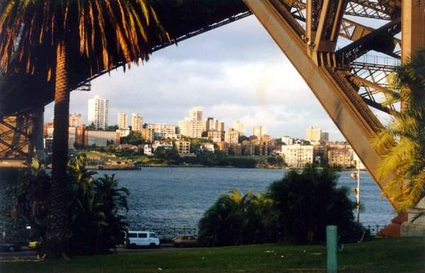 Híd alatt Sydneyben