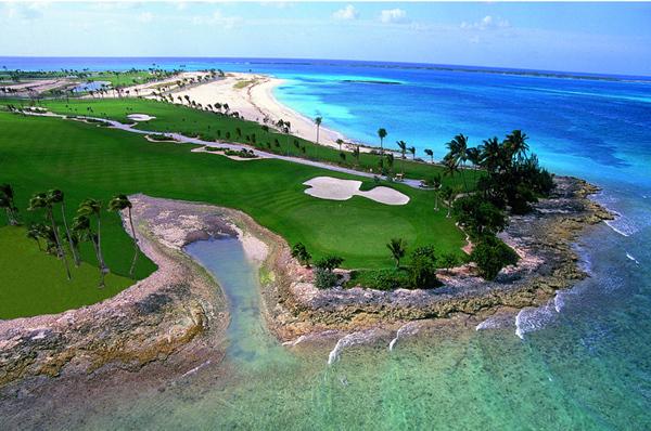 Golfpálya a Bahamákon
