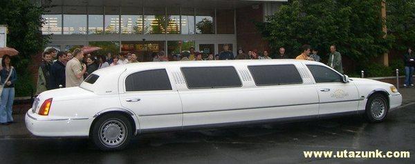 Ilyen limuzinnal utaztunk!