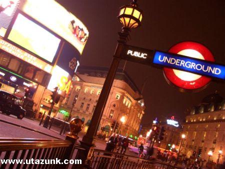 Ahogy megpillantjuk a Londoni West End fényeit