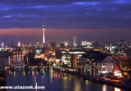 Berlin éjszakai fényei