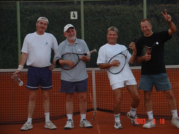 Pécs, Makár-tanya Sportcentrum:  a tenisz után szép az élet...