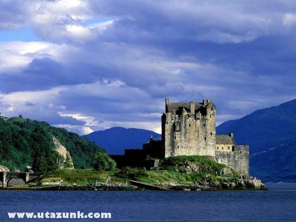 Eilean Donan Castle, Loch Duich, Skócia