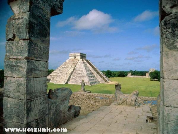 El Castillo, Chichen Itza (Mayan Toltec), Mexikó