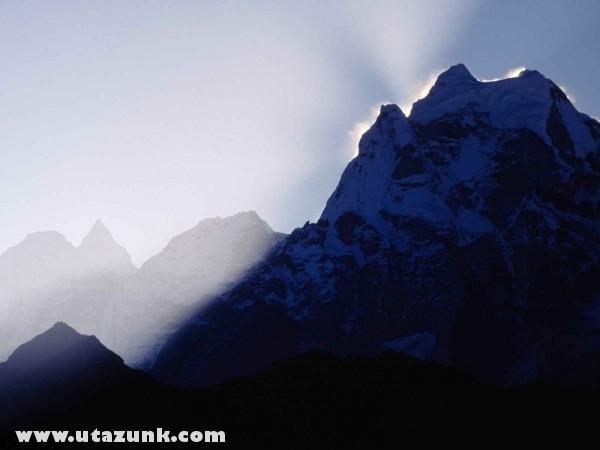 First Light, Tamserku, Nepál