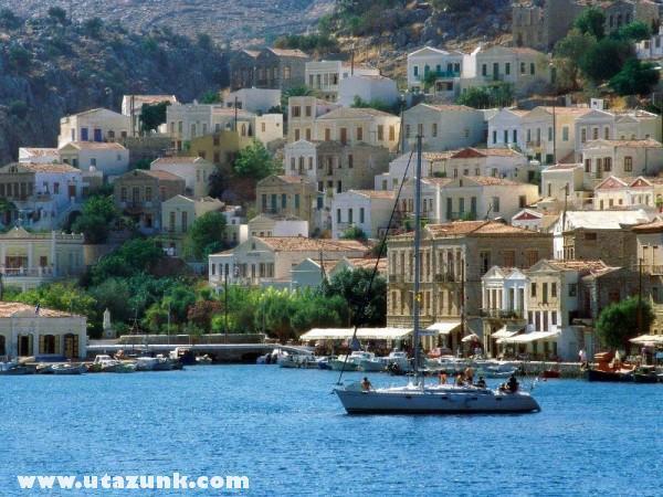 Harbor Town of Yialos, Görögország