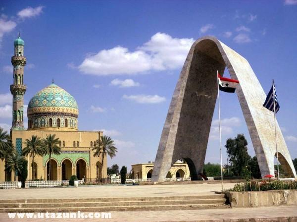 Mosque and Arch to Unknown Soldier, Iraq