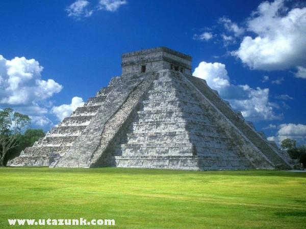 Pyramid of Kukulkan, Mexico