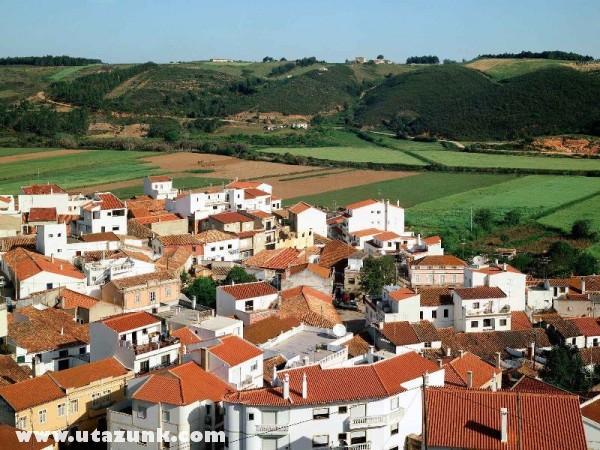 Rooftops of Odeceixe, Portugália